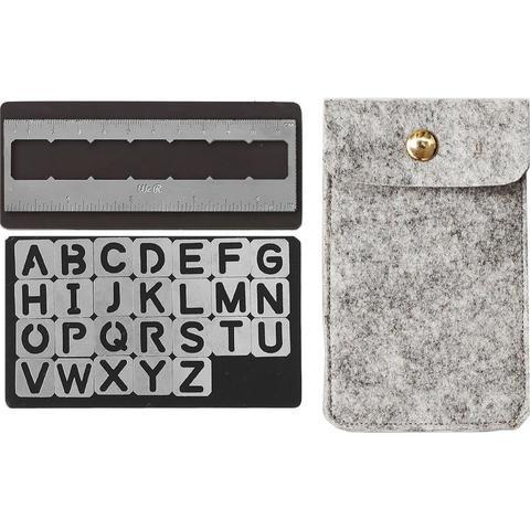 Набор магнитных трафаретов с линейкой в фетровом футляре с Алфавитом -We R Memory Keepers Journal Magnetic Stencils -Alphabet