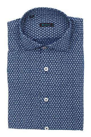 Синяя рубашка с белым цветочным узором
