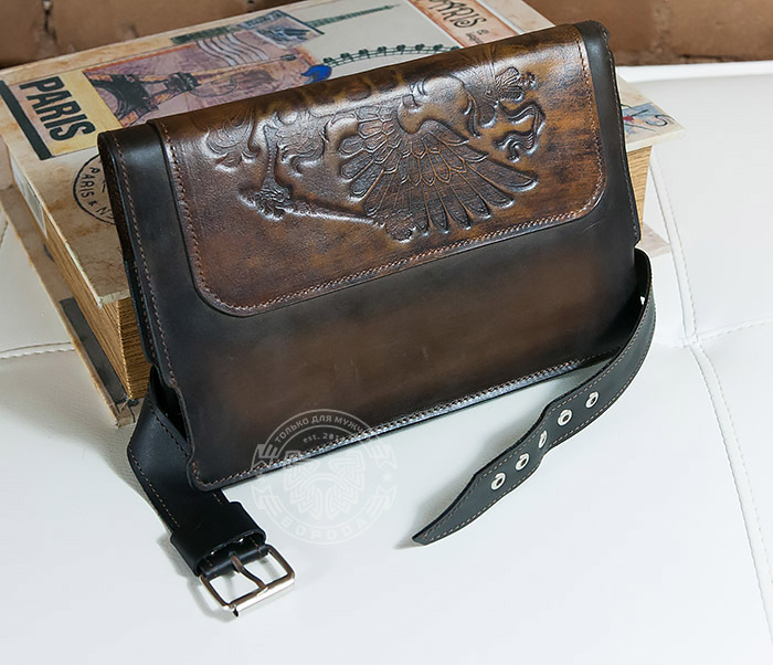 BC120-2 Мужской подарочный ежедневник ручной работы с гербом на обложке фото 05