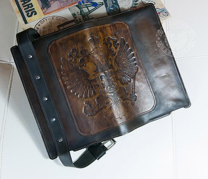 BC120-2 Мужской подарочный ежедневник ручной работы с гербом на обложке фото 09