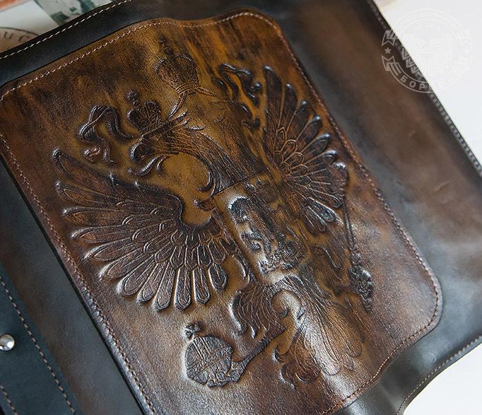BC120-2 Мужской подарочный ежедневник ручной работы с гербом на обложке фото 10