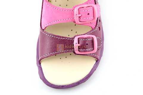 Босоножки Тотто из натуральной кожи с открытым носом для девочек, цвет сирень фиолетовый. Изображение 10 из 12.