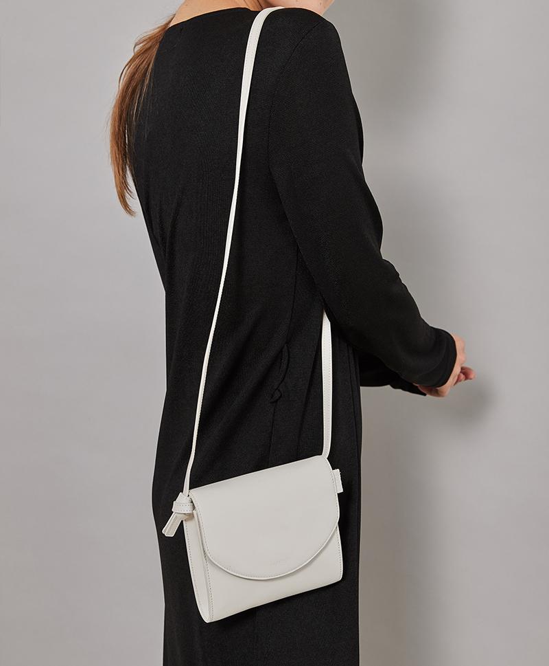 Luna Bag белого цвета