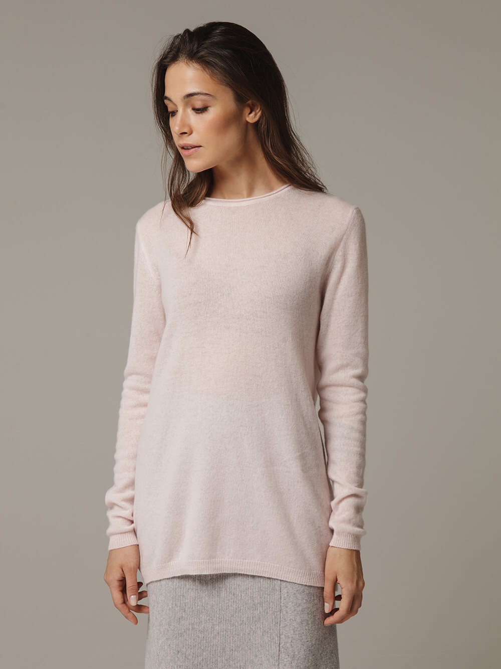 Pink female jumper made of 100% cashmere