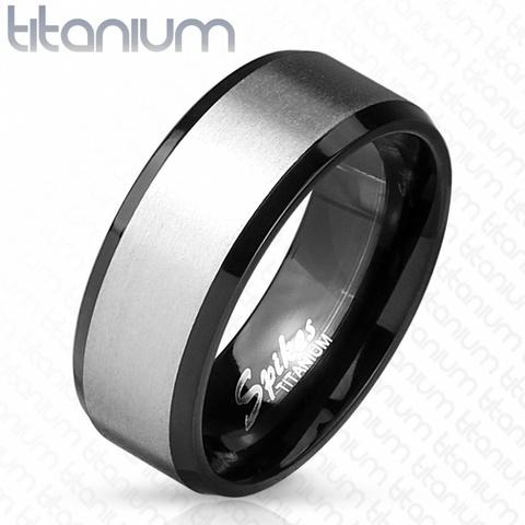Мужское чёрное простое прямое кольцо из титана с матовым центром SPIKES R-TM-3906