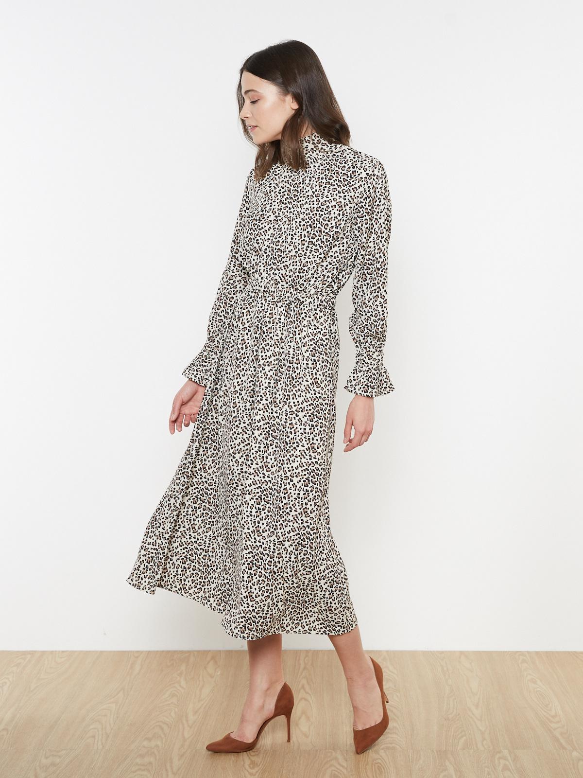 Платье с воротом леопардовое