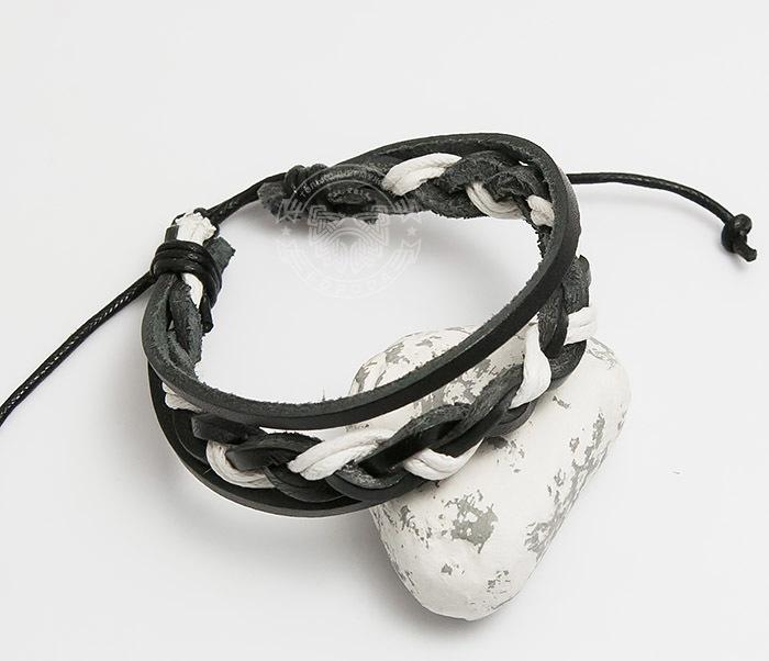 Spikes, Мужской браслет из черной кожи и белого шнура «Spikes» двойной мужской браслет из кожи черного цвета