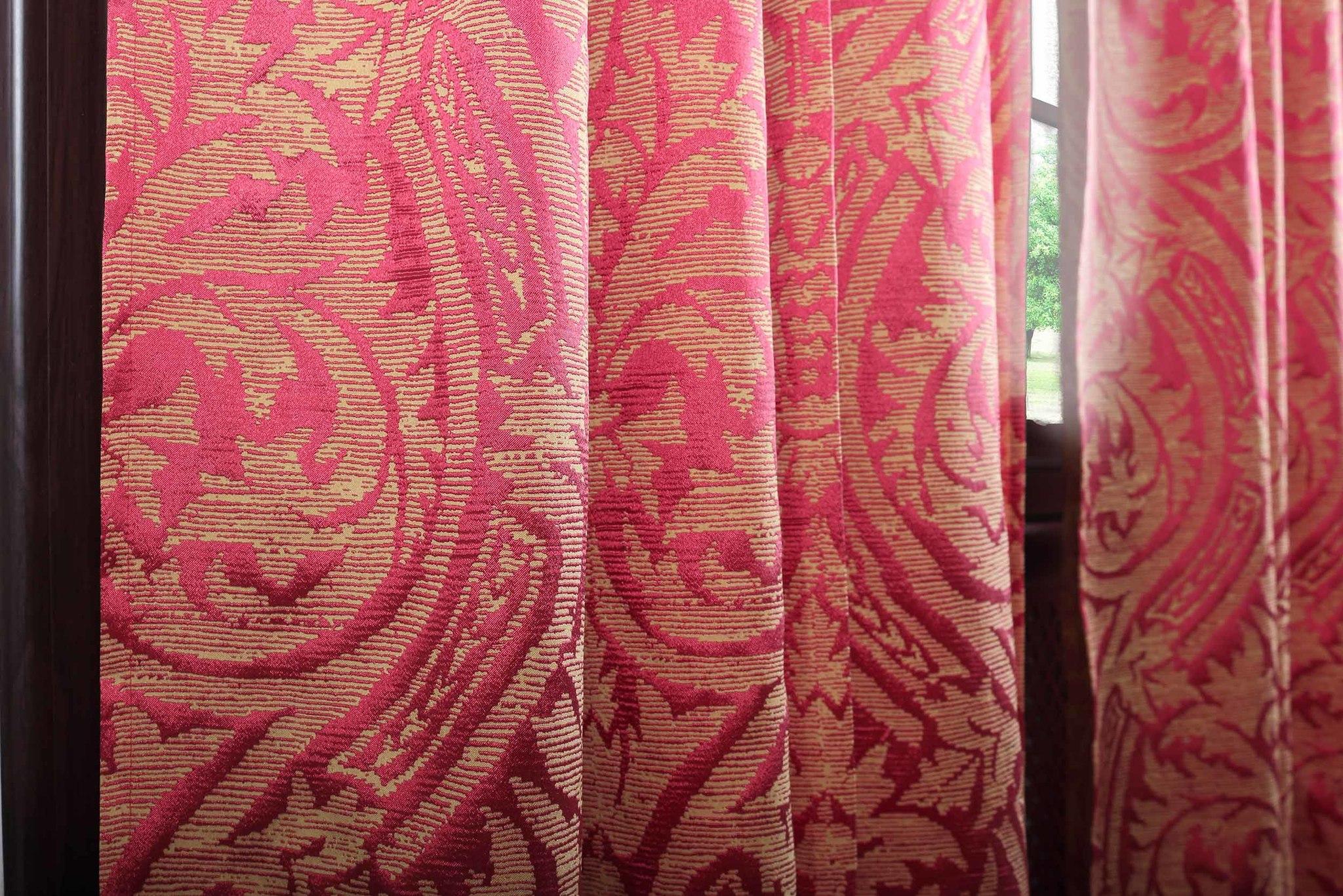 Ткань портьерная. Тафта жаккардовая Дамаск