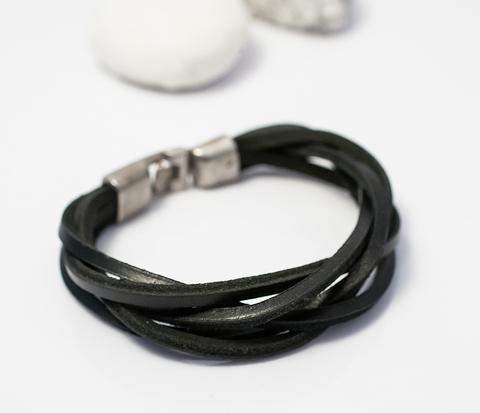 BL289-1 Браслет из черных кожаных полос на металлической застежке (20 см)