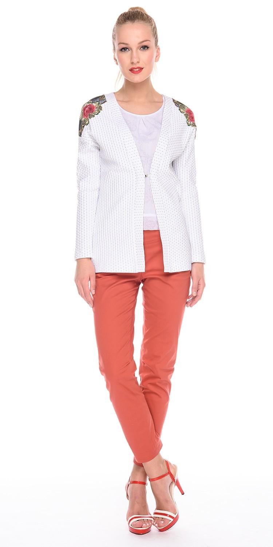Жакет Д526а-217 - Жакет свободной формы из фактурной ткани в мелкий горошек. На плечах отделка из вышивки. Подойдет как для повседневного стиля так и для офисного,  хорошо сочетается с брюками, юбками и платьями.
