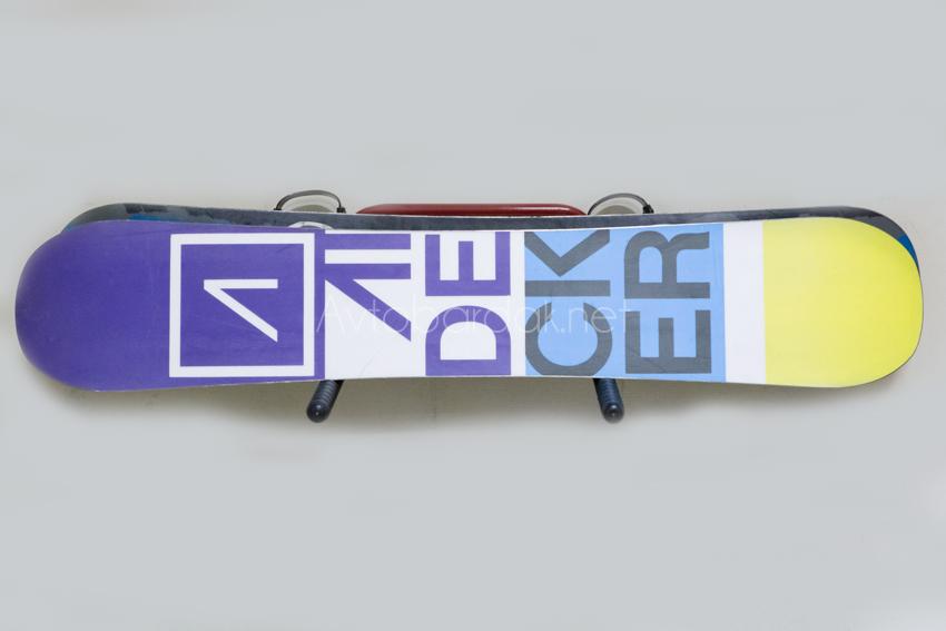 Кронштейн для хранения сноубордов и лыж