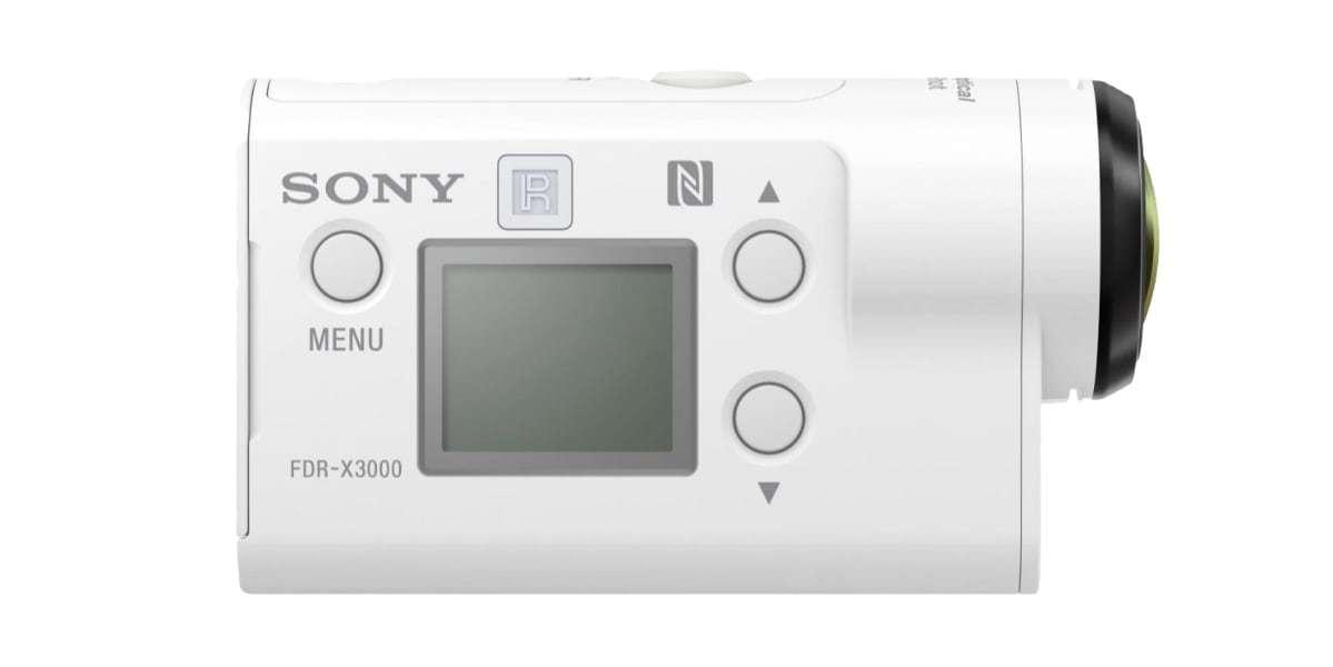 Экшн-камера Sony FDR-X3000R вид сбоку