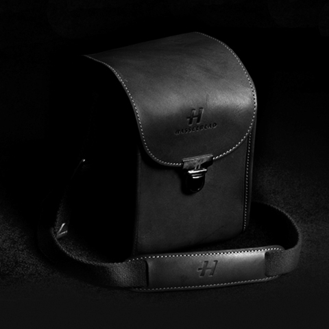 Lunar camera case black leather