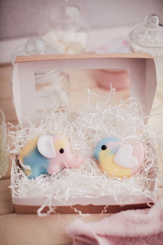 Подарочный набор мыла в виде птички. Отлито в пластиковой форме