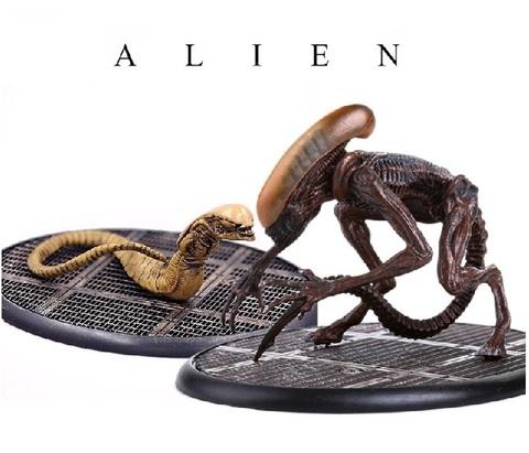 Alien — Mini Alien Dog Figure