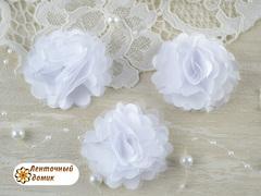 Цветы атласные с фатином белые диаметр 5 см