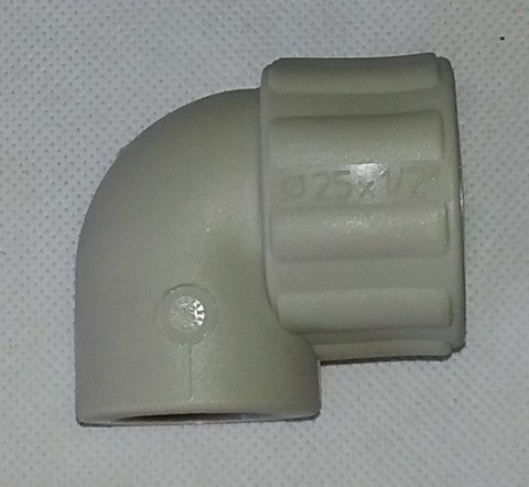 Уголок 90* с металлической резьбой внутренней 25 х 1/2