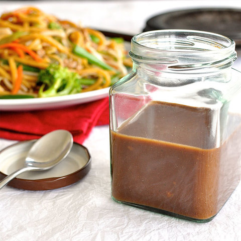https://static-eu.insales.ru/images/products/1/3793/151260881/Stir-Fry-Sauce.jpg