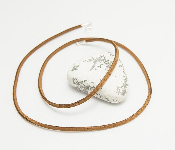 Pokrovsky, Коричневый шнур из натуральной замши (55 см) цены