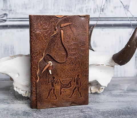 Блокнот «Добыча» с обложкой из натуральной кожи с застежкой - клыком (А5)