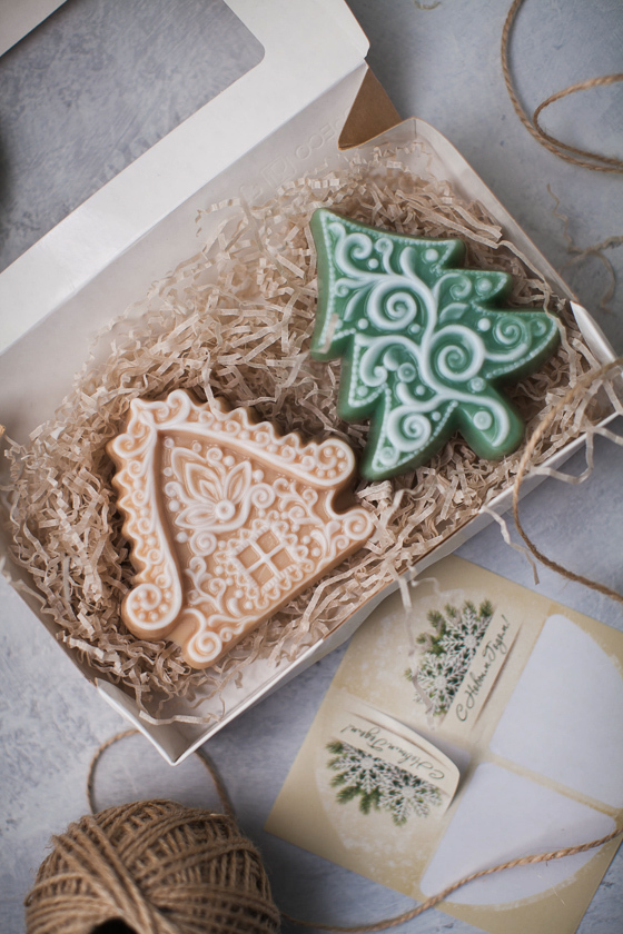 Мыло, изготовленное по форме Елка ажурная