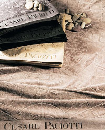 Полотенца Полотенце 100х150 Cesare Paciotti Pave Jaco черное nabor-polotenets-pave-jaco-ot-cesare-paciotti.jpg