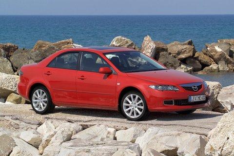 Чехлы на Mazda 6 седан 2002–2008 г.в.