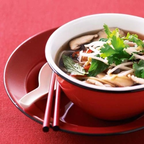 https://static-eu.insales.ru/images/products/1/3849/31403785/mushroom_and_rice_noodles_soup.jpg
