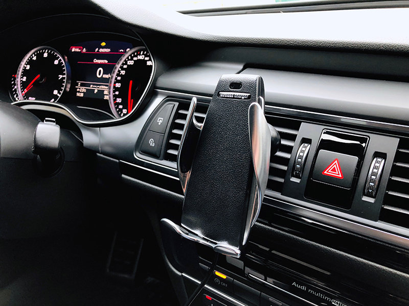 Автомобильный держатель для смартфона