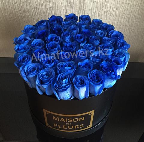 Элитные синие розы в подарочной коробке