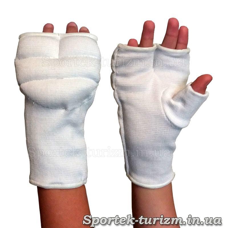 Защитные накладки на кисти руки для рукопашного боя на руке