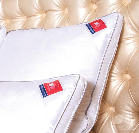 Подушка Коллекция  Лоретта пух категории  Экстра в сатине.