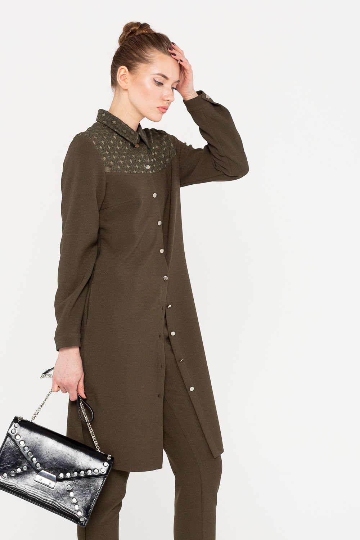 Платье З385-528 - Платье – рубашка актуального цвета хаки – стильная современная модель-трансформер. Платье можно носить, как самостоятельную вещь, либо использовать в комплекте с брюками. Кокетка украшена геометрическими узорами.Застежка на пуговицы удобна и проста в эксплуатации. Платье прекрасно дополнит современный гардероб и позволит создать стильный современный образ.