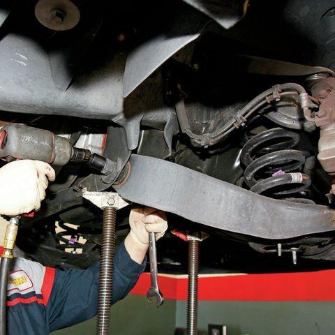 Замена нижнего рычага Toyota Tundra