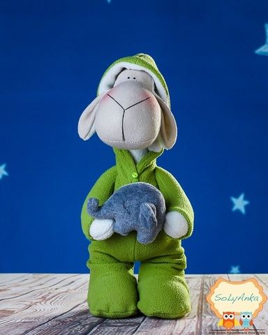 Овечка в зеленой пижаме. Овечка Тильда.