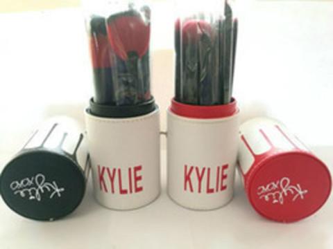 Набор кистей для макияжа в тубе Kylie Jenner