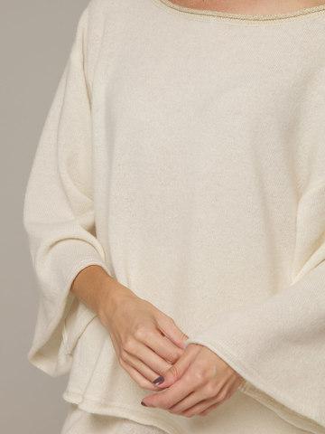 Женский белый джемпер свободного кроя из 100% кашемира - фото 2