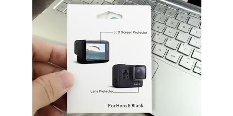 Набор защитных стекол для HERO5/6 Black в руке
