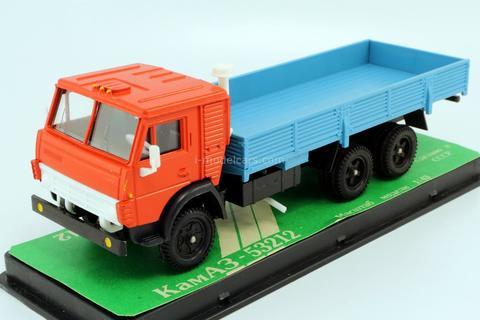 KAMAZ-53212 red-blue (plastic box) 1992 Elecon Arek 1:43