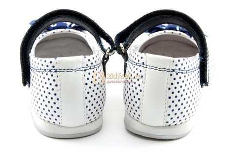 Туфли ELEGAMI (Элегами) из натуральной кожи для девочек, цвет белый в синий горошек. Изображение 7 из 12.