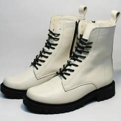 Кожаные ботинки на шнуровке женские зимние Ari Andano 740 Milk Black.