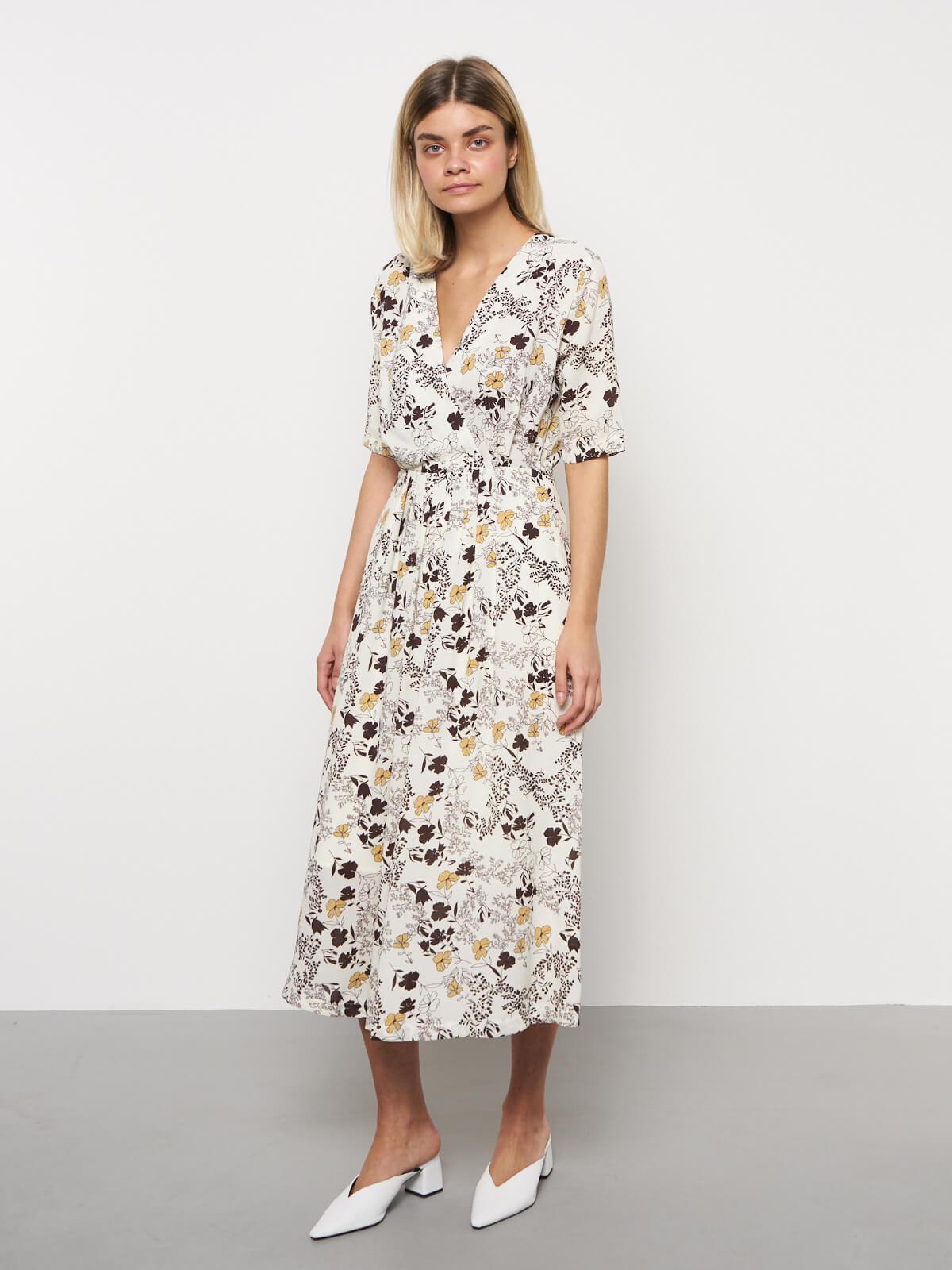 Платье в цветочек с коротким рукавом