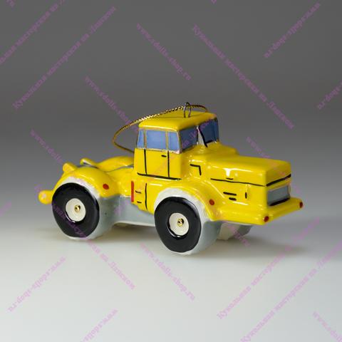 Фарфоровая игрушка