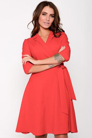 Отличное платье для романтической дамы! Отложной воротничок. Юбка клёш, с имитацией пояса. Рукав до локтя с манжетой. Отличный вариант для торжества. (Длина: 46-98см; 48-99см; 50-100см; 52-101см)