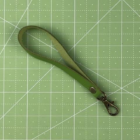 Ремешок-петля с карабином 14 см. (Зеленый)