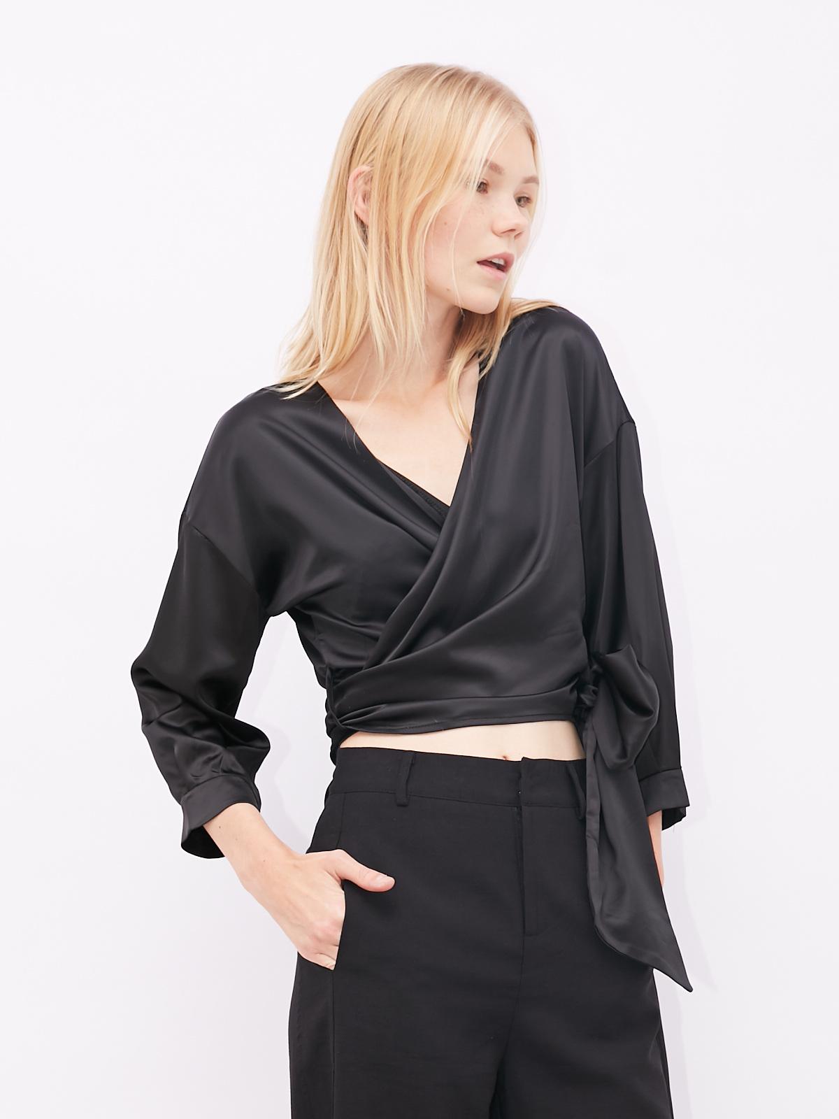 Блуза на запах укороченная
