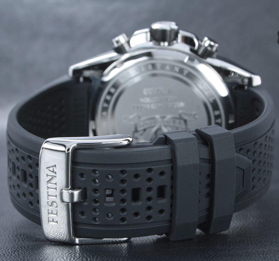 Есть и классические линии часов, но большинство моделей, все же, специализированные.
