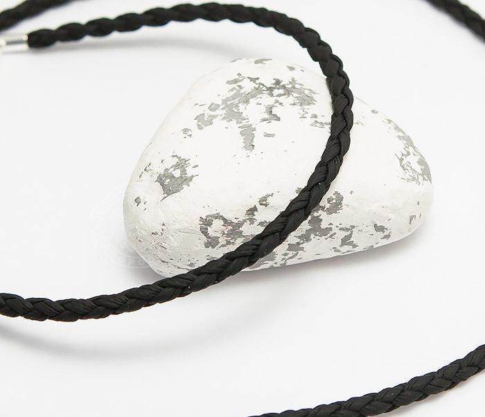 PL283-1 Плетеный шнурок на шею из премиум эко-кожи черного цвета (55 см)