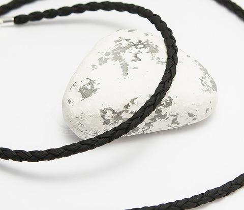 Плетеный шнурок на шею из премиум эко-кожи черного цвета (55 см)