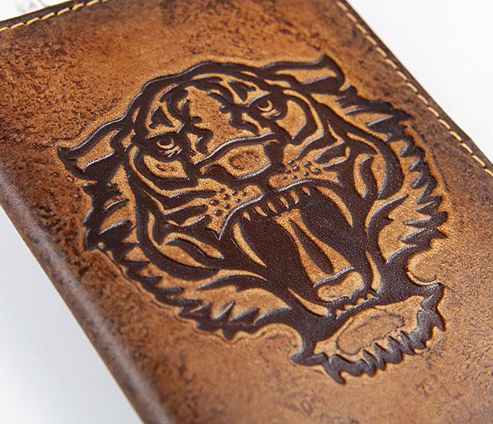 BY14-09-03 Обложка для паспорта с тигром, натуральная кожа фото 02